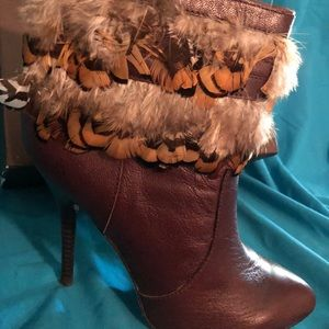 Bebe Brown Freda feather leather bootlets size 8